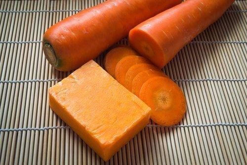 морковное мыло