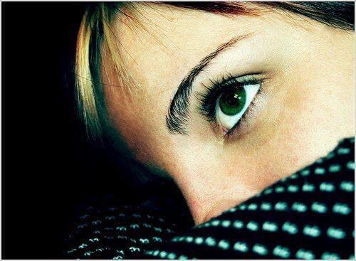 Беспокойство больше поражает женщин