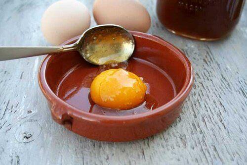 яйцо в меде