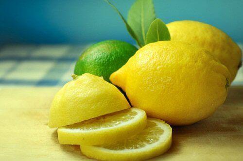 Лимон<
