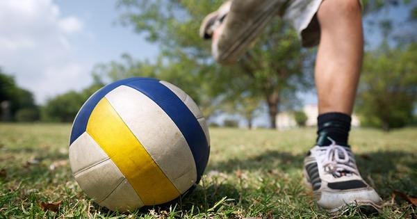 футбол волейбольным мячом