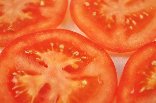 резаные помидорки