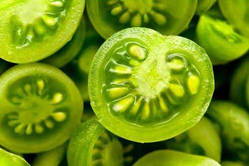 зеленые помидоры в разрезе