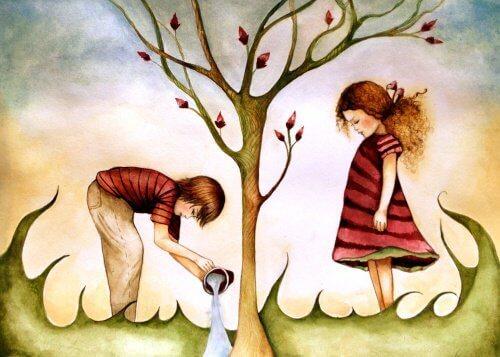 брат сестра поливают дерево