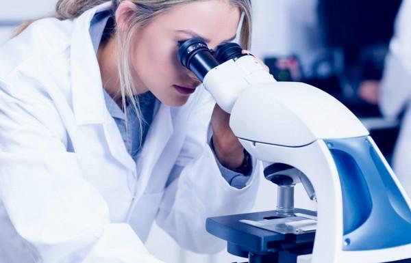 После биопсии шейки матки делают анализ кусочка забранной ткани
