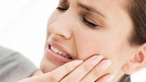 зуб заболел