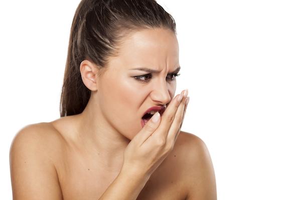 5 причин плохого запаха изо рта