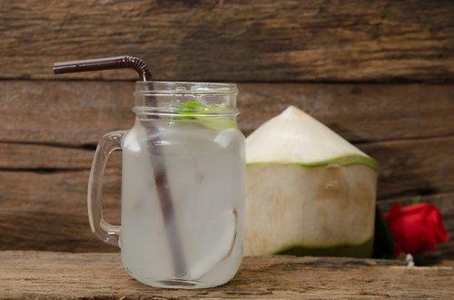 5 напитков для очищения организма и похудения