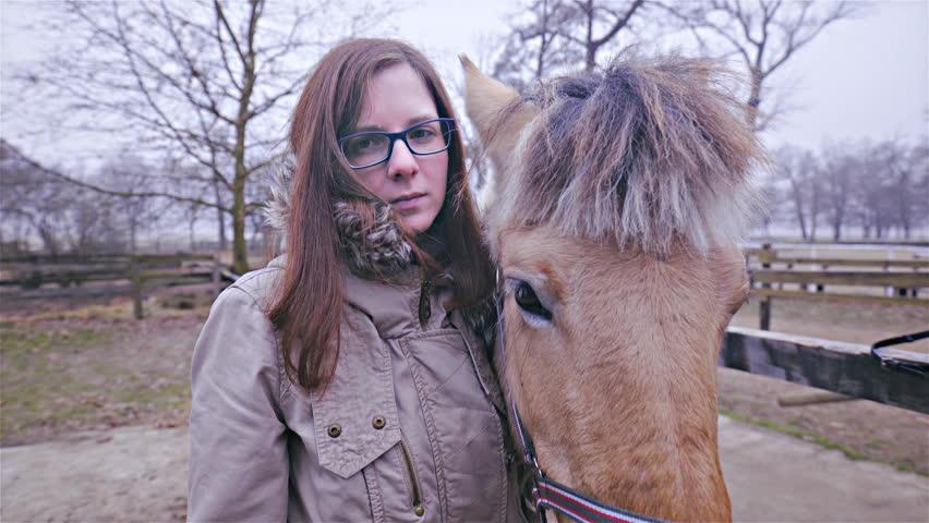 женщина с лошадью
