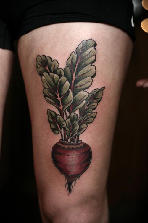 татуировка со свеклой
