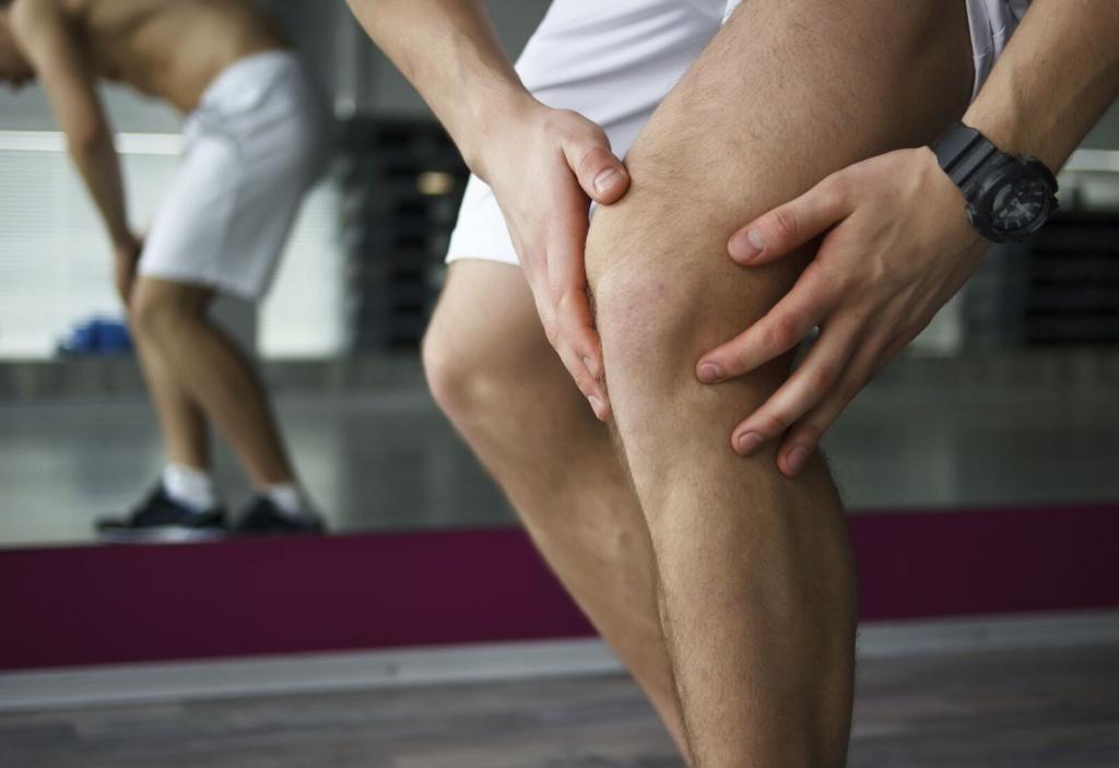 поврежденные колени