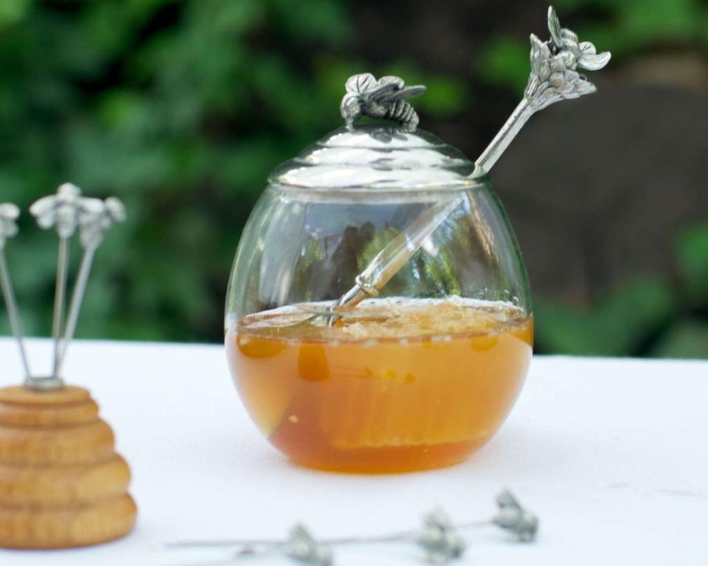 Можно ли добавлять мед в горячий чай