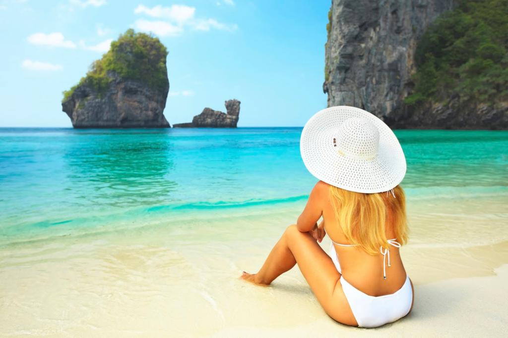 девушка спиной на пляже