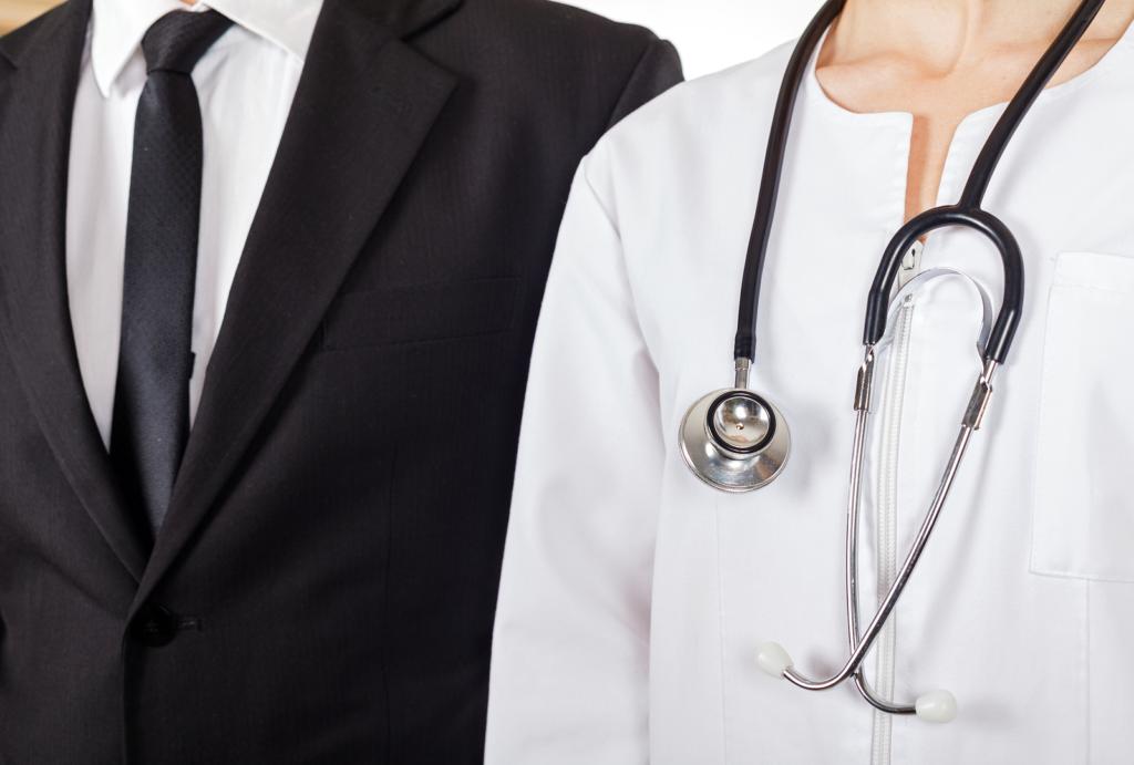 доктор и юрист