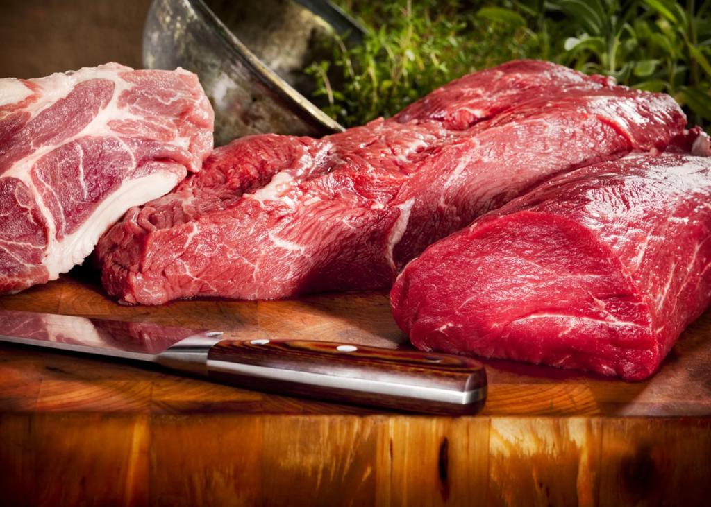 причиной аллергии может быть мясо