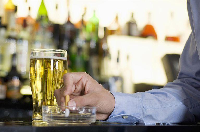 бросить курить когда пьешь
