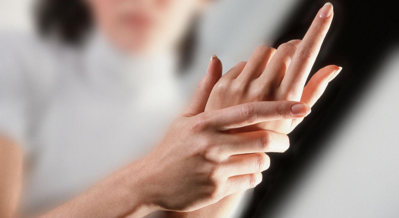 боли в суставах рук и пальцев