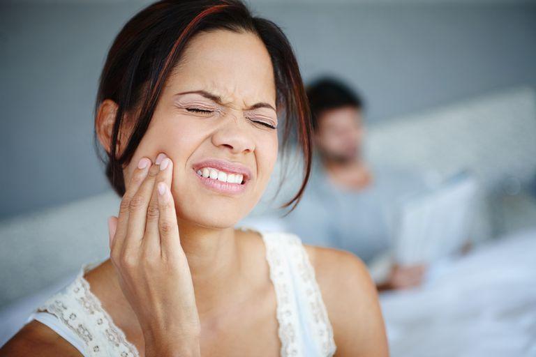 боли в челюстном суставе