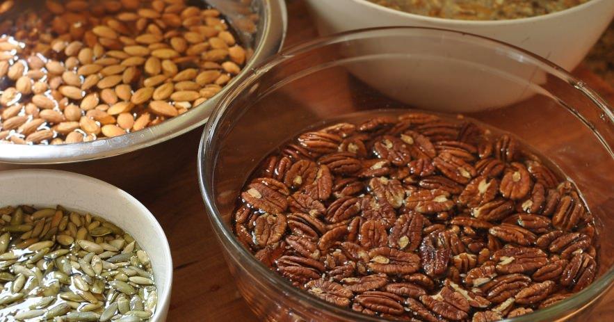 замачивание орехов и семян
