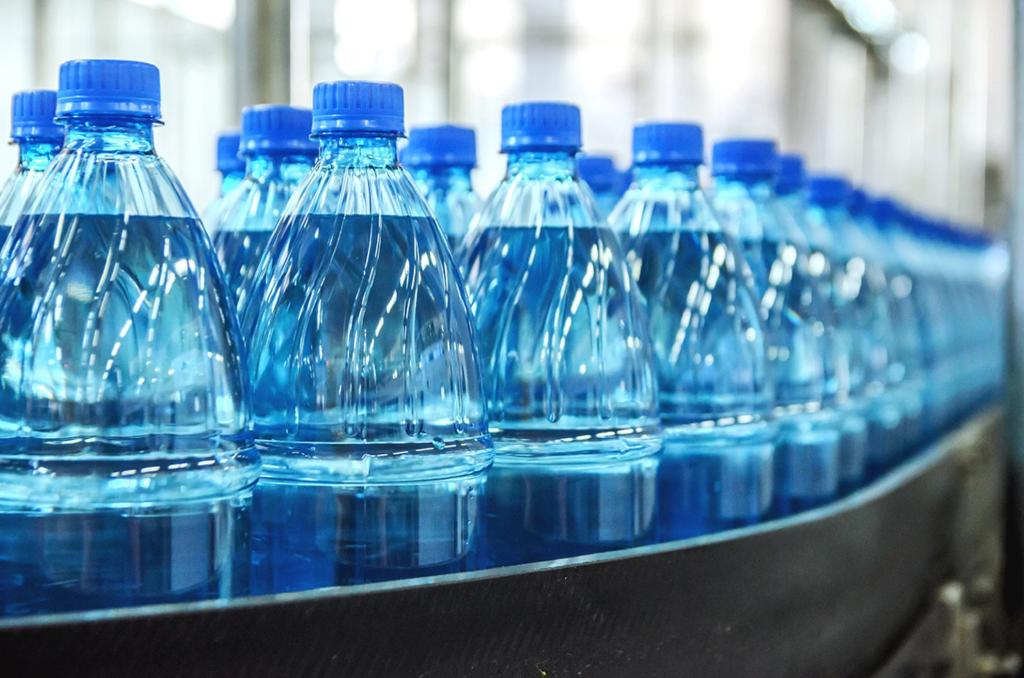Пластиковые бутылки для воды