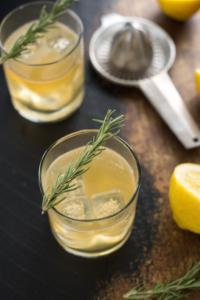 лимон с розмарином