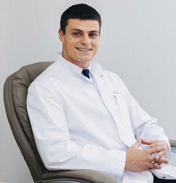 хирург Перекрестов