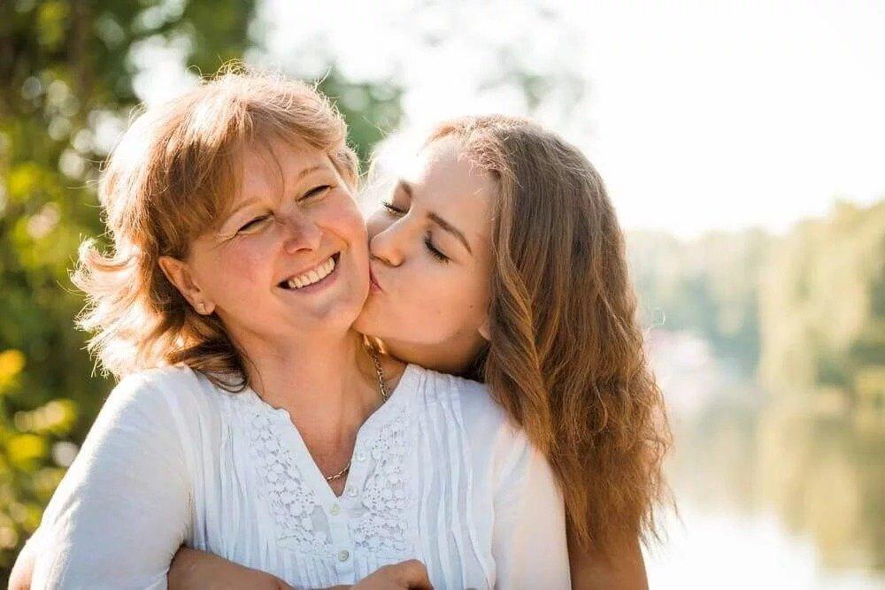 Как установить сильную связь с ребенком