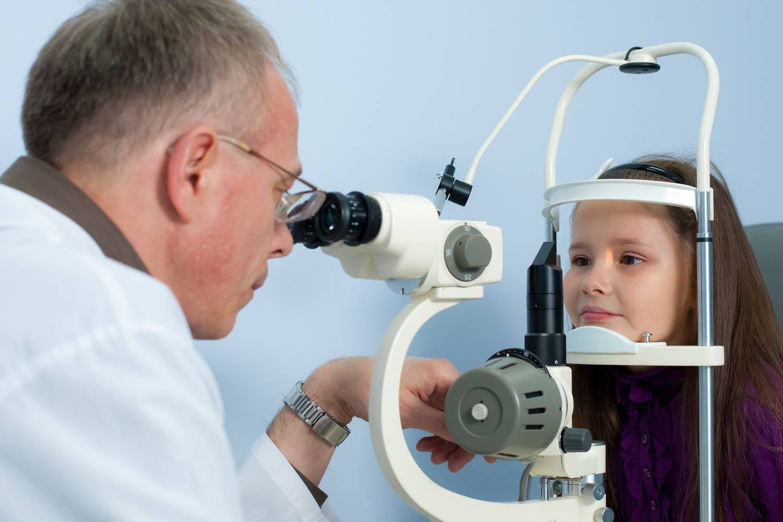 Что такое склеропластика глаз и особенности проведения процедуры у детей